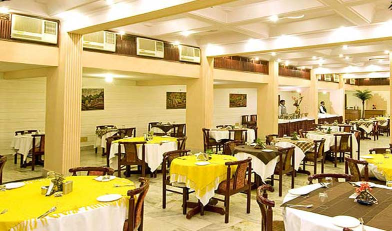 Dining2 in Hotel Atithi Agra