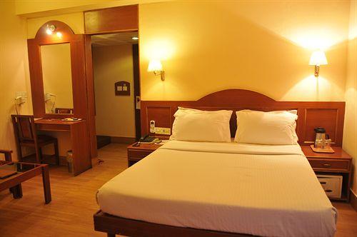 Suoer Deluxe in Hotel Bangalore Gate