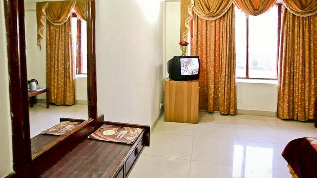 Semi Deluxe Room in Hotel Basera Katra