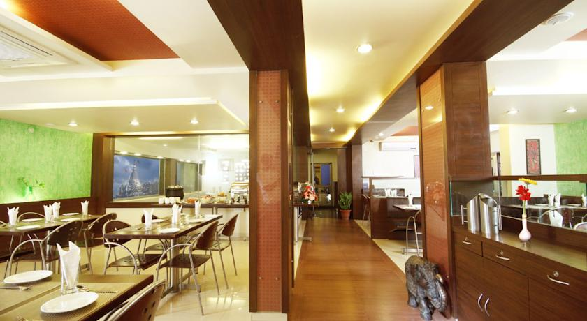 Dining in Hotel Bhagyalaxmi, Shirdi