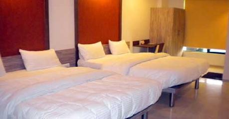 Deluxe in Hotel Budget Inn Palm Regency Vapi