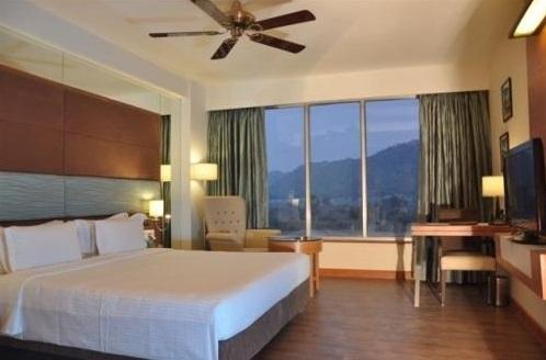 Deluxe in Hotel Cambay Sapphire Neemrana