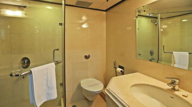 Bathroom in Hotel Combermere, Shimla