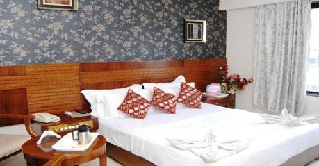 Superior Royal Room in Hotel Comfort Inn, Shirdi