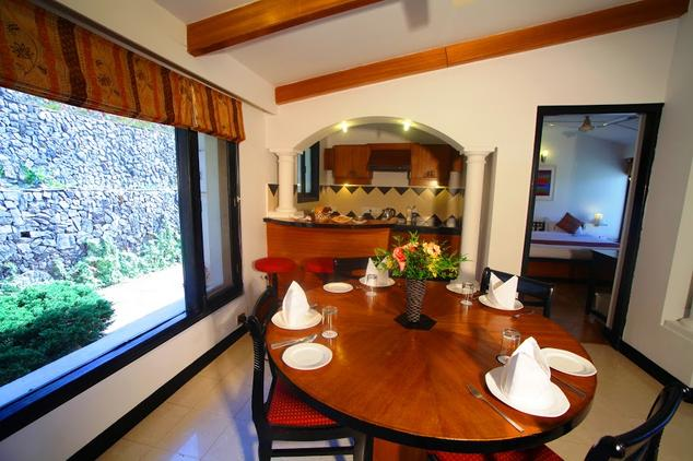 Rooms in Hotel Country Inn Bhimtal