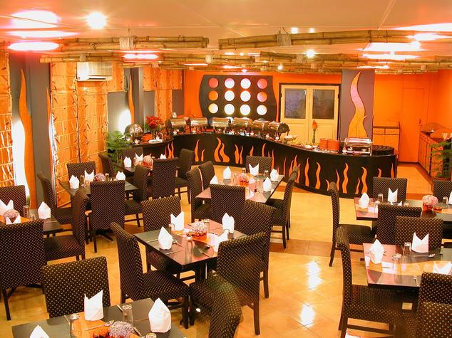 Dining in Hotel Country Inn Bhimtal