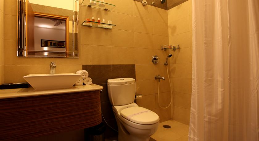 Bathroom in Hotel Crossroads, Gurgaon
