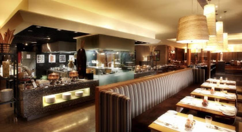 Dining in Hotel Crowne Plaza, Gurgaon