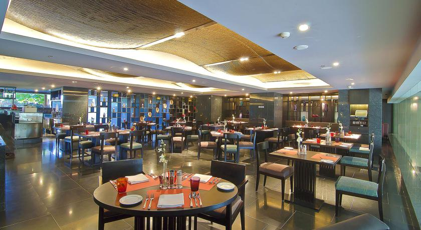 Dining2 in Hotel Crowne Plaza, Cochin