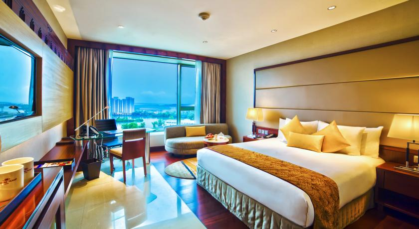 Suite Room in Hotel Crowne Plaza, Cochin