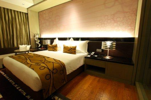 Executive Level Rooms in Hotel Crowne Plaza Rohini New Delhi