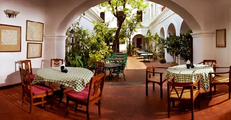 Dining in Hotel De L'Orient Pondicherry