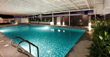 Swimming in Hotel Dunes, Cochin