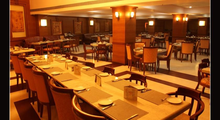 Dining3 in Hotel East Park Bilaspur
