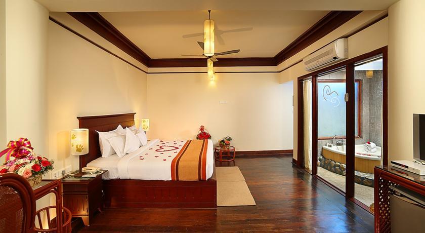 Honeymoon Suite in Hotel Elephant Court Periyar