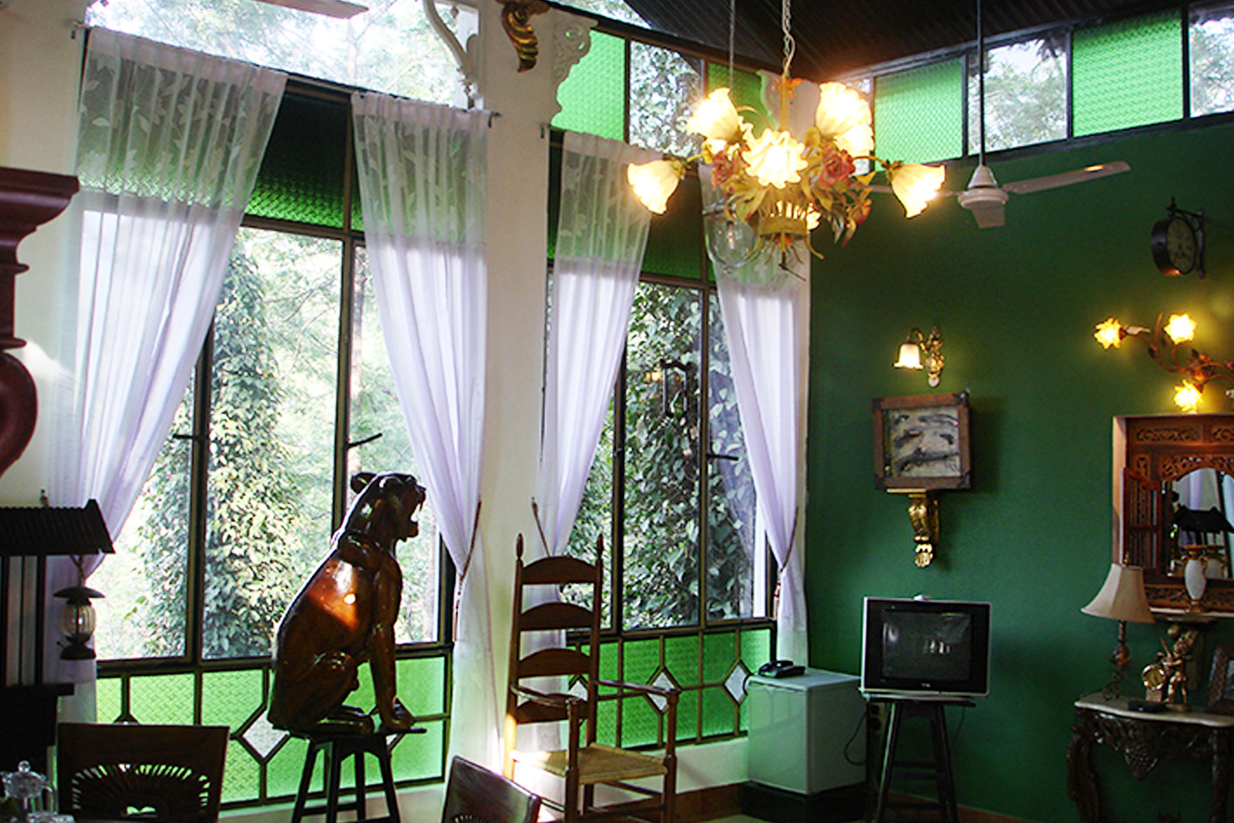 indeco-lake-forest-hotel-yercaud