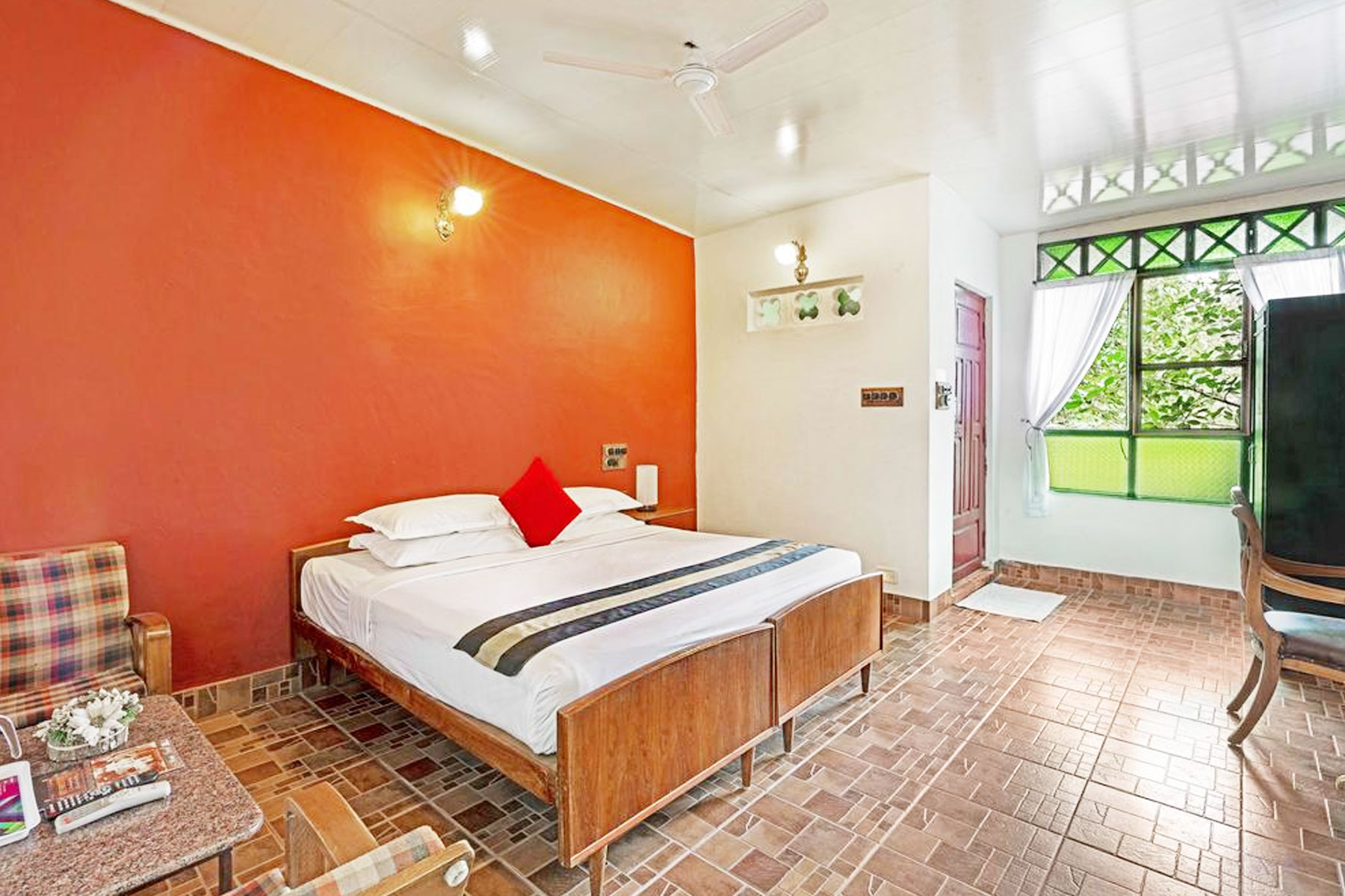 indeco-lake-forest-hotel-yercaud-5