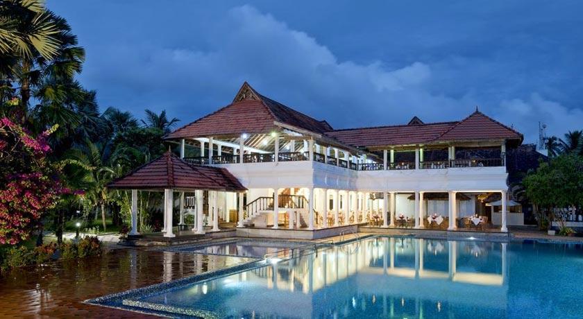 resort-swimming-pool
