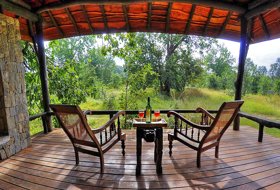 kanha-earth-lodge-inner-room-date-menu