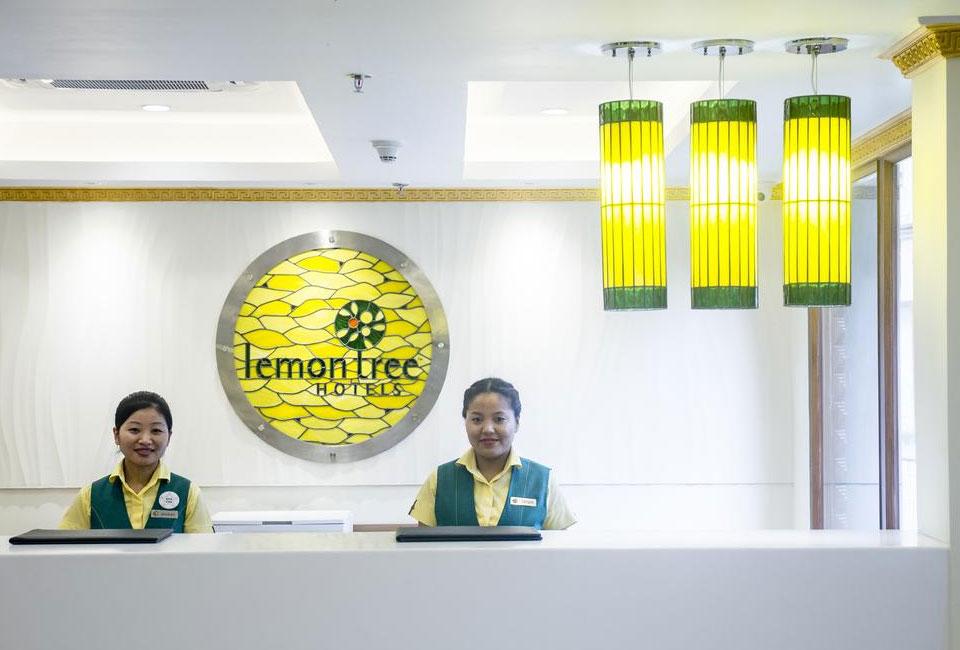 lemon-tree-hotel-gangtok-receptions