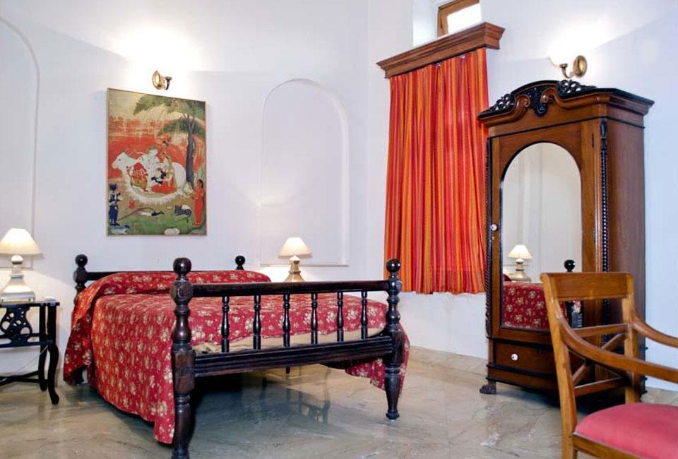 neemrana-baradari-palace-patiala-room-view