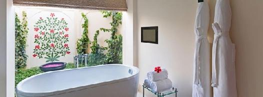 premier-room-bathroom