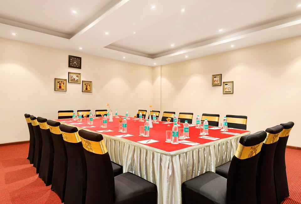 hotel-ramada-neemrana-meeting-room