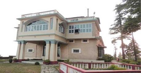 The-Grand-Oak-Manor