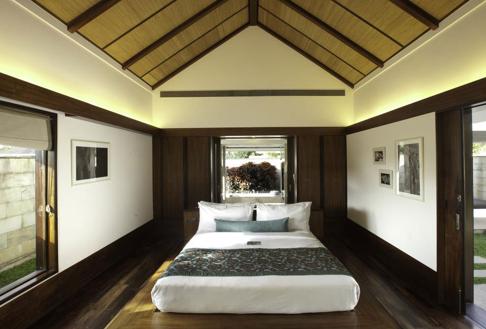 the-serai-chikmagalur-roof-room