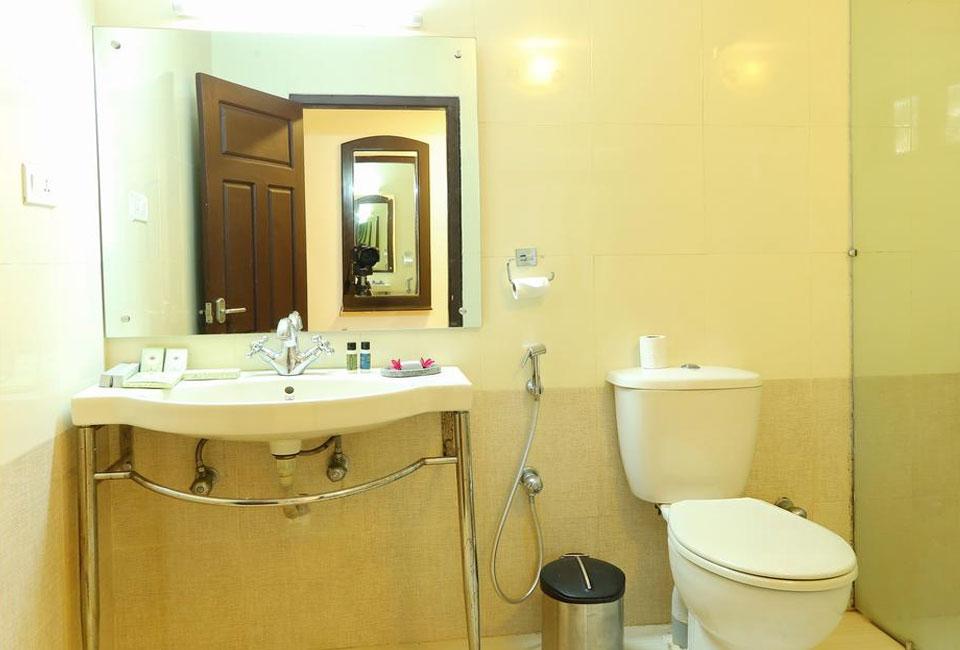 tree-of-life-marari-sands-beach-resort-bathroom-view