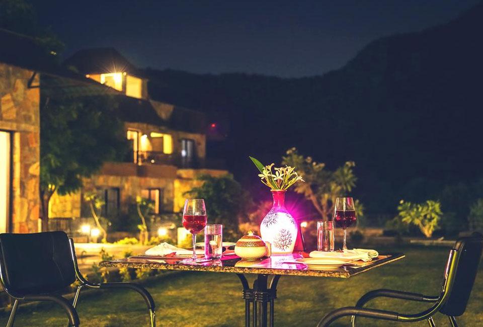 tree-of-life-vantara-resort-udaipur-night-dinner