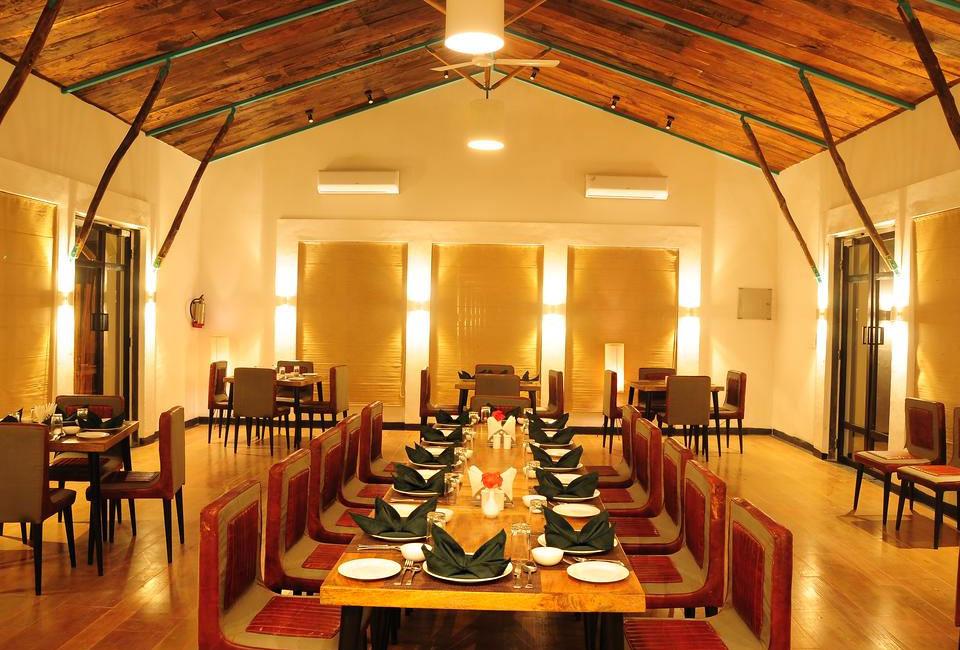 trees-n-tigers-sariska-dinning-table