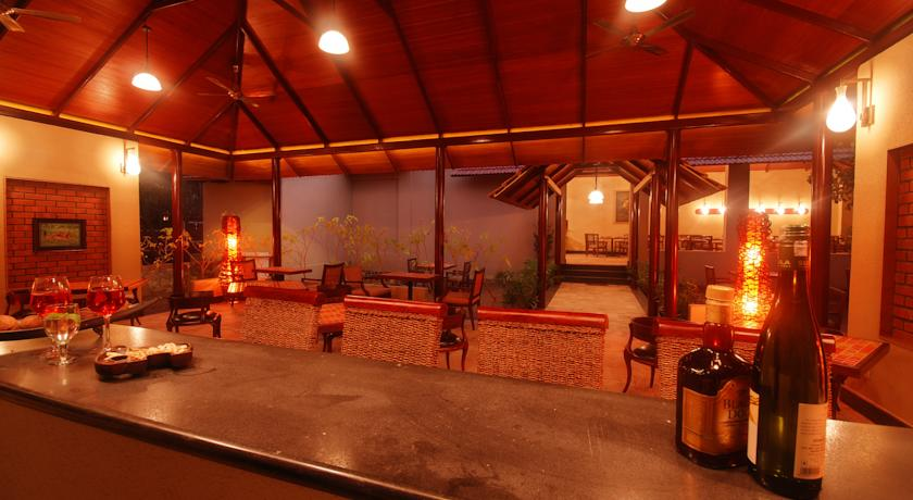 Bar in Windflower Resort And Spa Bandipur