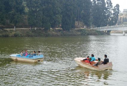 Mirik Lake in Darjeeling