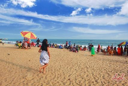 gold sand beache of puri