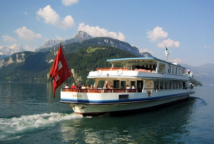 cruise around the Brienz Lake