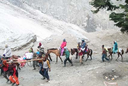 trekking in Amarnath holy cave