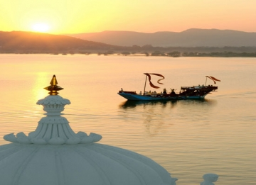 Boat Cruise on Lake Pichola