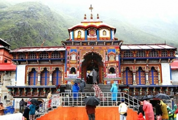 Badrinath Kedarnath Yatra by Helicopter from Guptkashi