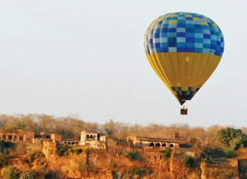 Fly in the skies with Hot Air Ballooning