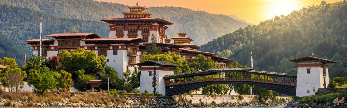 Visit Bhutan monasteries durong budget trip
