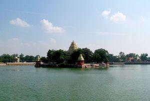 Mariamman Teppakulam, Madurai