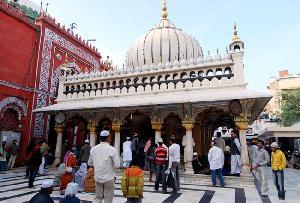 Nizamuddin's Tomb, Delhi India