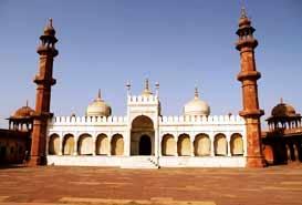 Taj-Ul-Masjid in Bhopal