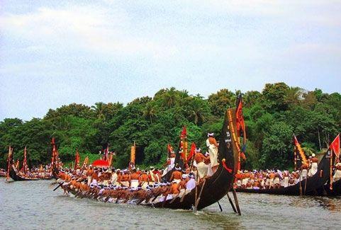Aranmula vallamkali festival in Kerala