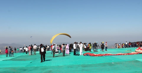 Paragliding Festival in Saputara, Gujarat