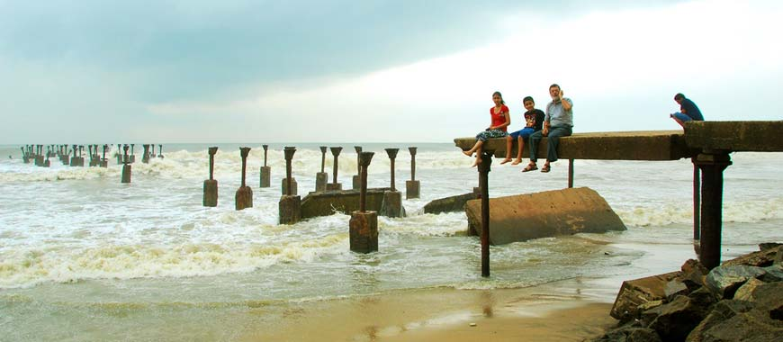 kozhikode broken bridge Kerala