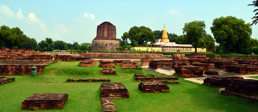 Dhamekh Stupa Monument in Sarnath, Uttar Pradesh