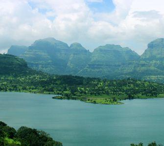 bhandardara lake in maharashtra